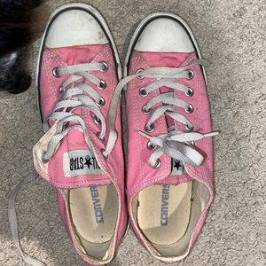 W8/M6 pink converse